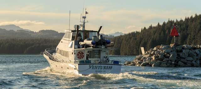 WB Bear Boat